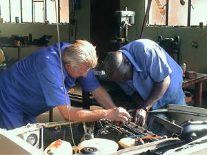 054-namibia-tsumeb-walter-gerhard-mecanico.jpg