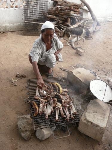 Asado de cabra en un cementerio wayúu
