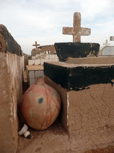 Cementerio wayuu, vasija tradicional para agua