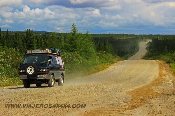0,883-Canadá-Quebec-Ruta Trans Labrador-Furgo